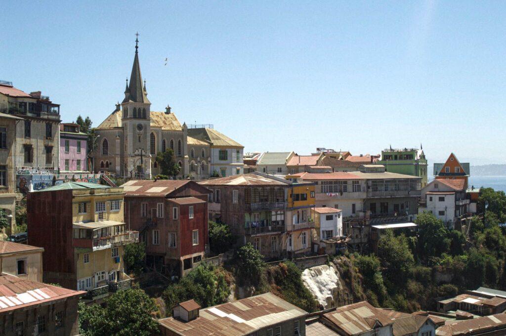 Aleyah Solomon, picturesque town in the cliffs