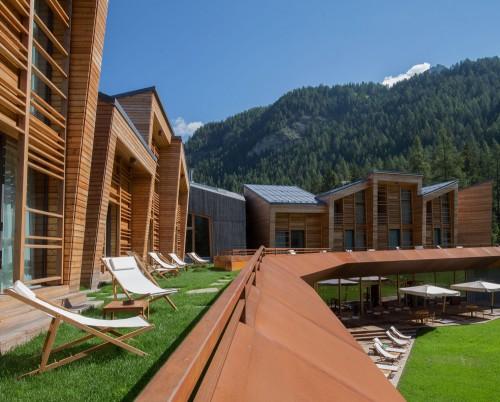 Camp Zero Resort