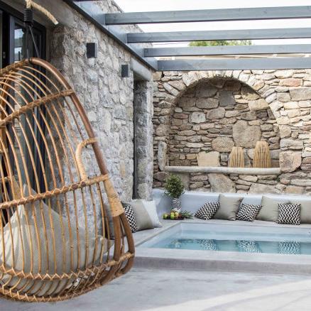One-bedroom pool suite