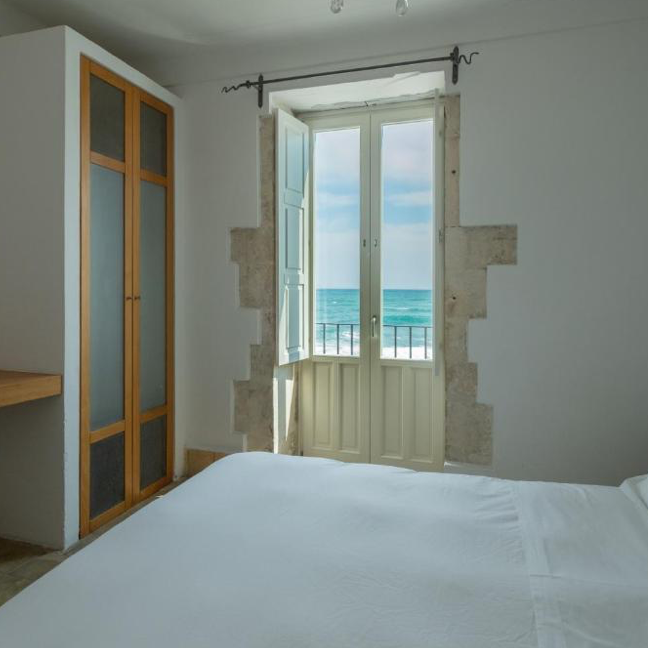 Plus Room